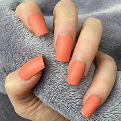 Uñas naranjas mate bonitas
